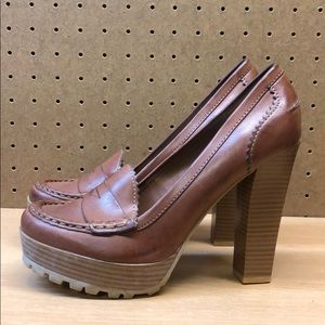 MIA Leather Heel Shoes size 7.5